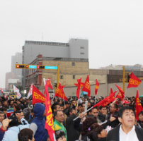 Peruvian civil servants protest against attacks on their union rights.